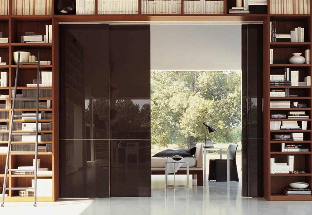 Puertas correderas para aprovechar espacio for Puertas para espacios reducidos