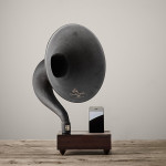 mini-gramaphone-escritorio-iphone-nogal-1