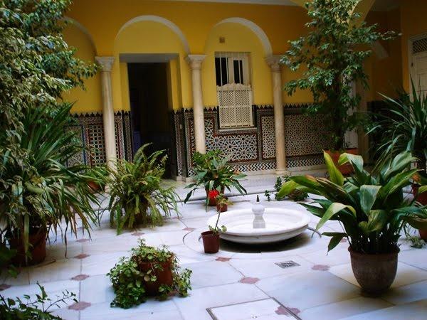 Azulejos patio andaluz cheap cargando zoom with azulejos for Azulejos para patios